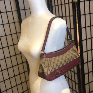 Gucci Bags - Gucci purse with matching wallet
